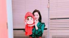 티아라 함은정, '딸기소녀' 가면도 못가린 미모본색