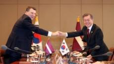 """문재인 """"미국도 북한과의 대화의사 밝혔다"""""""