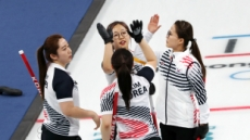 [2018 평창] 파죽지세 여자컬링 '강팀 킬러'로…스웨덴 잡고 공동 1위