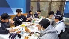 """""""윤성빈 선수 8끼요?…저는 해준 게 없는걸요"""""""
