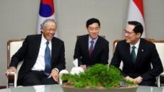 """한국-싱가포르 국방장관 회담 """"한반도 비핵화 지지"""""""