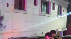 """적막감 도는 MB 사저…""""구속하라"""" 기습 시위 소동도"""