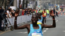 케냐 킵툼 대구국제마라톤 男 2시간 6분 29초 우승