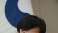 """김상조 """"신뢰 쌓이면 靑도 재계 만날 것…전경련, 환골탈태해 소통 창구 역할을"""""""