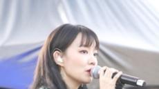 """윤하 '현충원 묘비사진 명예훼손' 논란에 """"외조부 묘비"""" 해명"""