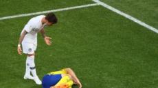 """""""가구로 유명한 나라 편하게 누워""""…스웨덴 침대축구에 분노"""