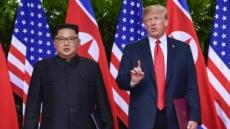 """트럼프, 대북제재 1년 더 연장 """"北위협 계속""""…'제재완화' 거론 중국에 경고"""