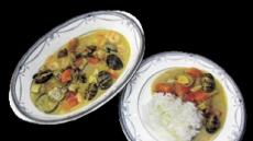 [혼밥남녀 푸드톡]뜨끈뜨끈한 밥 위에 고소하고 달큰한 향이~'코코넛카레' 에 빠졌죠