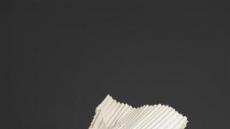[지상갤러리] 권용주, 골판, 2018, 석고캐스팅, 목재, 65×70×101cm