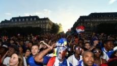 프랑스, 월드컵 결승때 에펠탑 문 닫는다…10만명 거리응원 예상