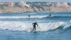 '서핑의 원조' 페루, 그들의 무더위 퇴치법