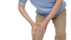 [폭염 주춤, 이젠 관절 걱정 ①] 중년의 미미한 무릎 통증, 연골손상 신호다?