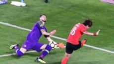 """[한국 칠레] 0-0 전반 종료…이영표 """"칠레 압박속도 빠르다"""""""