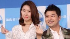 """전현무 측 """"한혜진과 4월 결혼? 사실무근…아직 계획 없어"""""""