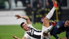 맨유, 유벤투스에 2-1 승…골 넣은 호날두, 자책골에 울었다