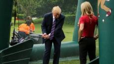 '골프광' 트럼프, 백악관에 5600만원짜리 스크린골프 설치