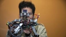 군부대처럼 집단으로 탐색, 구조...인텔 '멀티 미니 로봇' 개발