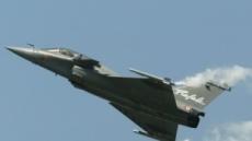 佛 라팔전투기 체험비행하던 민간인, 이륙 직후 '강제 비상탈출'