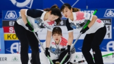 리틀 팀킴, 컬링 세계선수권서 日꺾고  첫 동메달