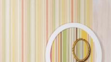 벽지 위 벽지그림…모조와 원본 사이