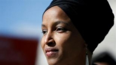 트럼프 타깃 '무슬림 의원 오마르' 美 민주주의 시험대
