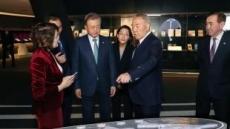귀국길의 文대통령 고민 시작…남북회담·협치 이끌 돌파구는…