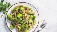 섬유소·칼륨 듬뿍… 맘껏 먹으며 혈압관리 '통곡물샐러드파스타'