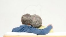 日, 치매 인구 줄이기 안간힘...70대 치매 비율 6% 감축 목표 첫 제시