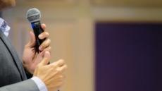 정치권 홍보에 대회는 뒷전?…빗속에 파행된 '구청장배 테니스대회' 두고 논란