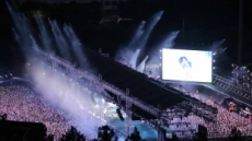 BTS 부산 입성, 국내외 팬 2만5000명 열광무대…일부 팬 대리예매로 항의 소동
