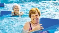 가장 좋기는 수영…걷기·스트레칭으로 관절주변 근육 강화를