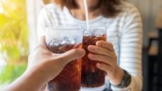 [잘못 먹으면 독(毒) ①] 음료수 섭취량 3배 증가…20대 가장 많이 마셔