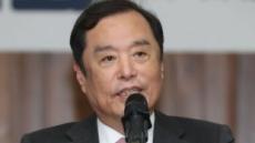 """김병준 """"문 정부 출범 후 '아무나 흔드는 나라' 됐다"""""""