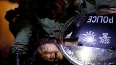 """앰네스티 """"홍콩 경찰, 시위 참가자들 고문하고 폭행"""""""