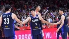 부족했던 뒷심…한국 농구, 분전 끝에 중국에 73-77 패