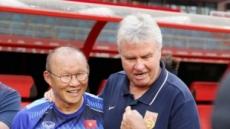 박항서, 히딩크 이겼다…베트남, 중국에 2-0 완승