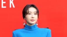 '9월 결혼' 왕지혜는 누구?…배용준·박수진 오작교