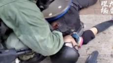 고등학생에 실탄 쏜 경찰…홍콩 시위 변곡점 맞나