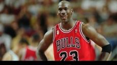 """'농구황제' 조던 """"커리, NBA 명예의 전당 언급은 아직…"""""""