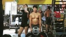 유이, 父 김성갑 코치와 운동  삼매경…몸짱 부녀 인증