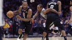 NBA, 레너드 몸상태 번복한 클리퍼스에 5만달러 징계