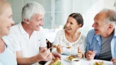 주변에 대화 상대 있는 노인, 치매에 덜 걸리는 이유