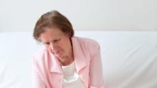 찬바람 부니 뼈에도 바람이…중년 여성 위협하는 '골다공증'