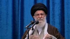 """8년 만에 대예배 나온 이란 최고지도자, """"솔레이마니 암살은 미국 수치"""""""