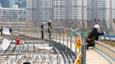 건설현장 코로나 확진자 11명 확산…비상걸린 건설업계