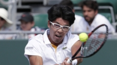 정현, 시즌 5번째 경기에서 첫 승…프랑스오픈 테니스 예선 2회전 진출
