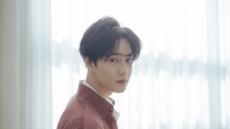 엑소 수호, 솔로 데뷔 앨범 '자화상' 발매…전곡 작사&콘셉트 기획에 참여
