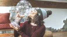택배로 받은 스키 월드컵 우승 트로피