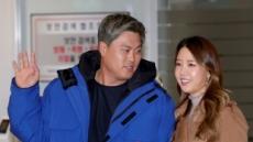 류현진·배지현 부부, 딸 얻었다…美서 출산