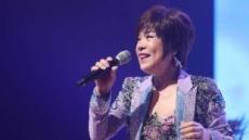 [서병기 연예톡톡]트로트 유행속 매력 발산하는 김연자